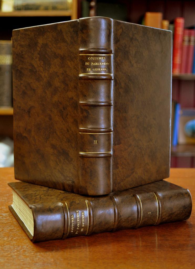 Plein cuir basane mouchetée main, façon XVIIIè