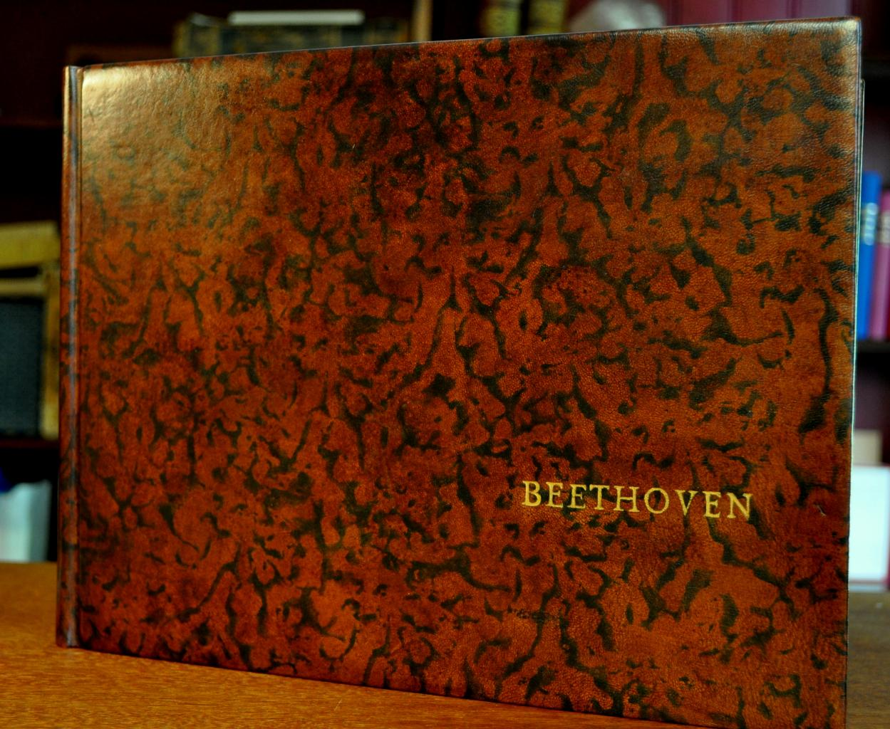Bradel Beethoven, format oblong, cuir teinté main