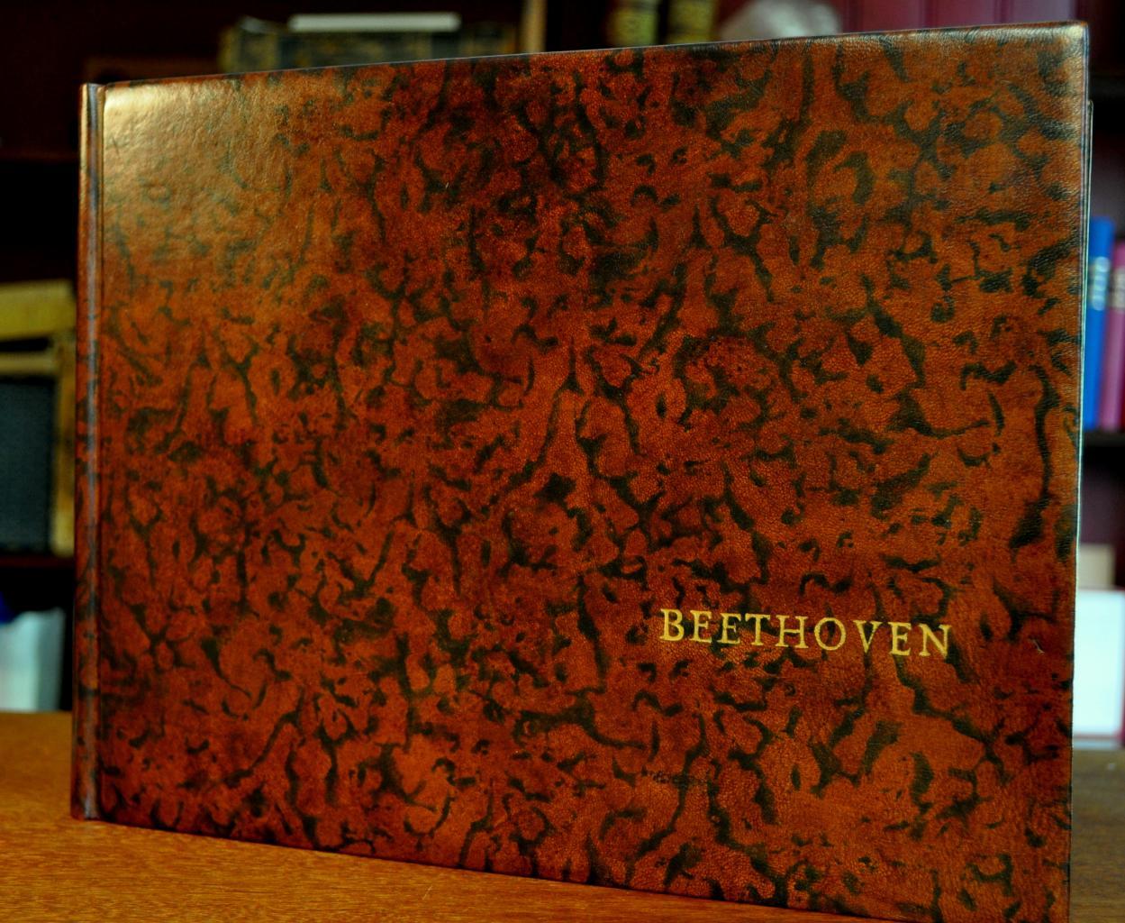 Bradel Beethoven, format oblong, cuir teinté main