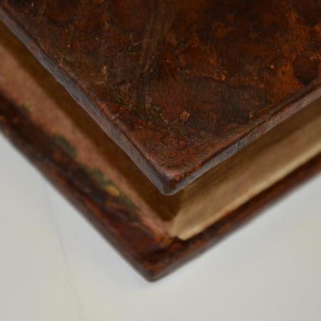 Restaurations de livres et papiers anciens